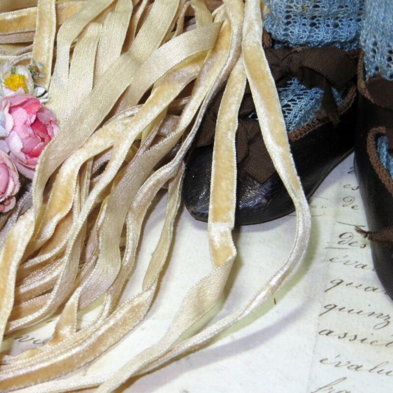 5y ANTIQUE FRENCH TINY DOLL VELVET RIBBON WHITE IVORY JUMEAU FASHION DRESS HAT