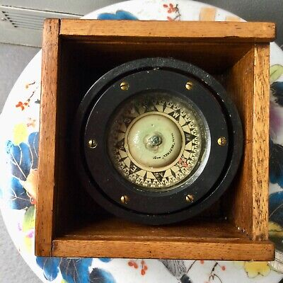 Marine Sestrel gimballed compass in timber box. No lid. Greenwich Sydney.