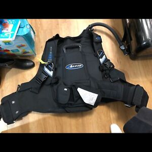 Scuba Gear in Excellent Condition -  BCD, Regs, travel bag