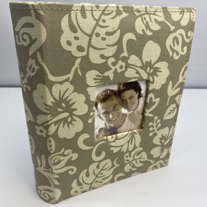 """Photo Album with Frame Cover Holds Up To 200 Pictures 4""""X6"""" (used)"""