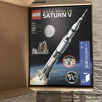 LEGO 21309 NASA Apollo Saturn V & Commemorative Snoopy Apollo 10 Patch New