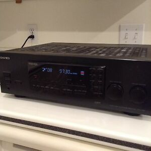 Fantastic Condition Kenwood Amp with Dedicated Turntable Input