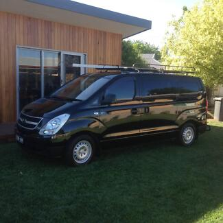 iLoad Van 2011 Great Condition