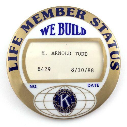 Kiwanis International Club Life Member Status Button Date 08-10-88 1988 L787