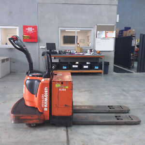 Raymond******8410 Powered Pallet Mover Pallet Truck Luscombe Gold Coast North Preview