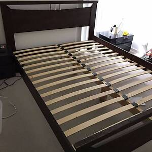 Queen Size Wooden bedframe Macquarie Park Ryde Area Preview
