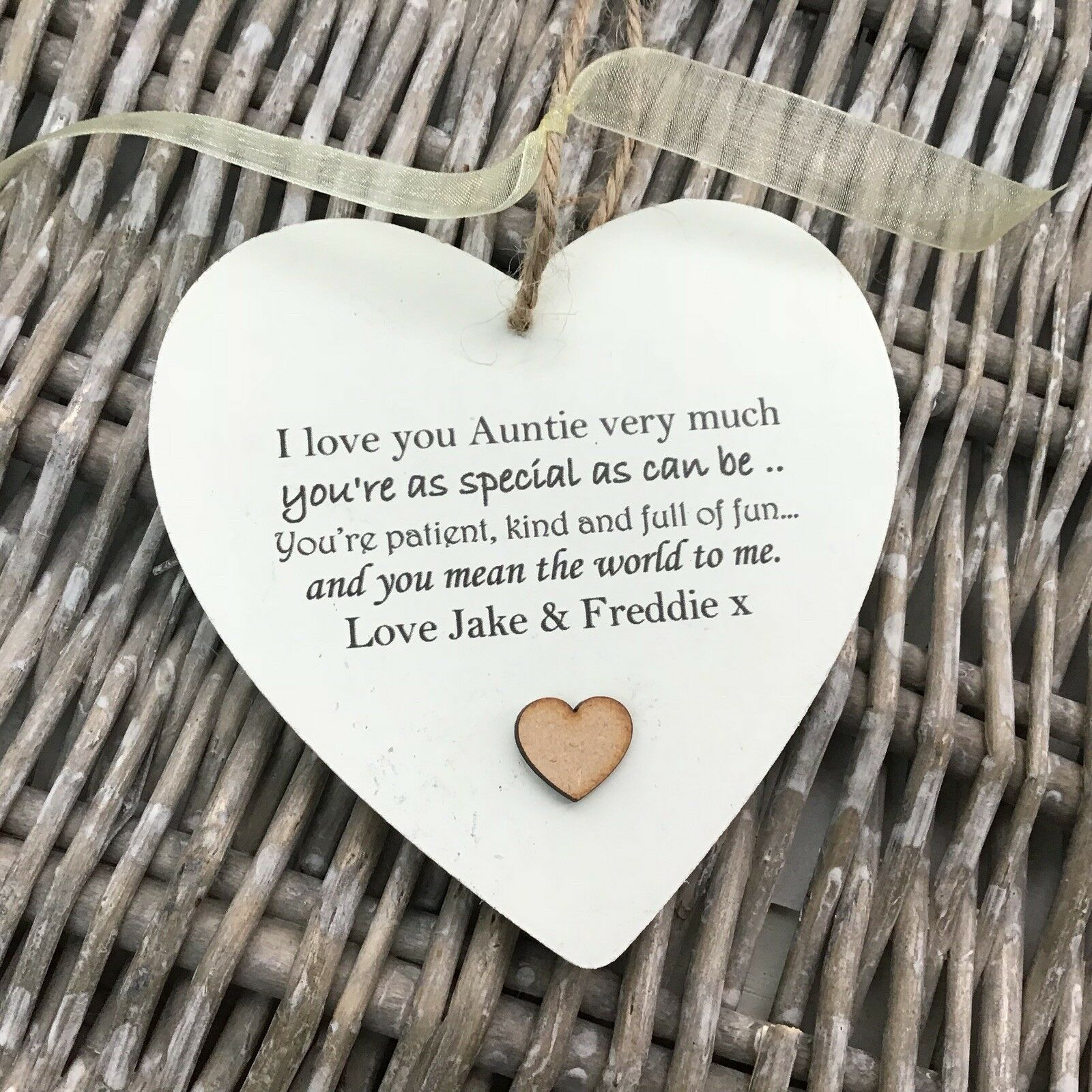 Shabby personalised Gift Chic Heart Plaque Special Auntie Aunty Great Aunt Gift