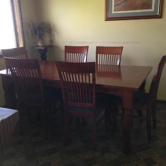 7 pce dining setting