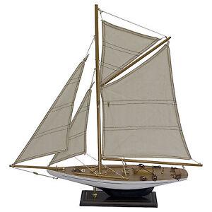 Segelboot Segelschiff Segelyacht Holz Weiß blau u. Schwarz Deko Standmodell 60cm