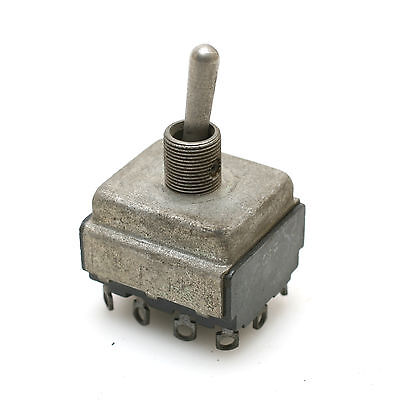 Cutler-hammer 7663k5 On-off-on 3-position Maintained Toggle Switch 4-pole
