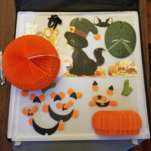 Hallmark Halloween Blackie Cat Squeaky Mouse Pop-up 3D Cardboard Parts Honeycomb