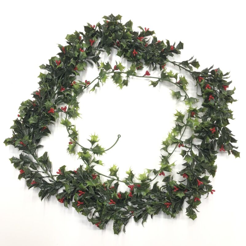Vintage Christmas Red Green Holly Leaf Berry Plastic Garland Two Kinds Over 9ft