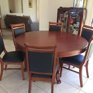 round dining table in Brisbane Region QLDDining Tables