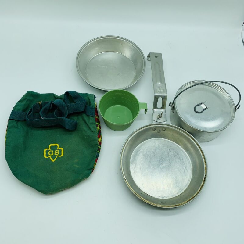 Vintage 1970's Girl Scout Mess Kit with Duck Carrying Bag