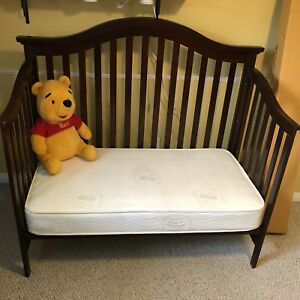 Solid Wood Mia Crib 3-1 converts to toddler bed and double bed
