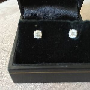 White Gold Diamond Earrings Will deliver !