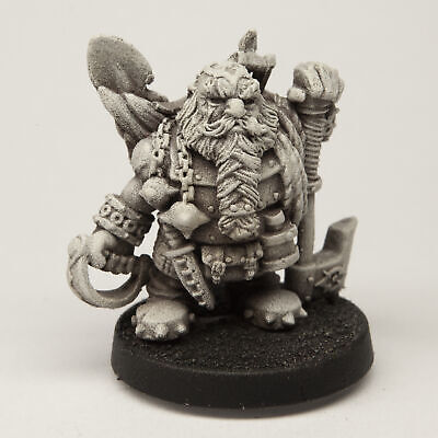 Stonehaven Male Dwarf Ranger Miniature Figure (for 28mm Scale Table Top War