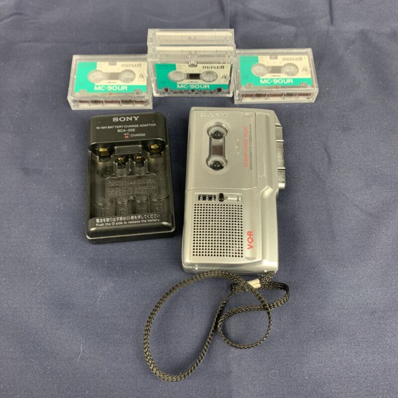SONY M-670V Voice Recorder Microcassette Portable with Voice Activation W/ Tapes
