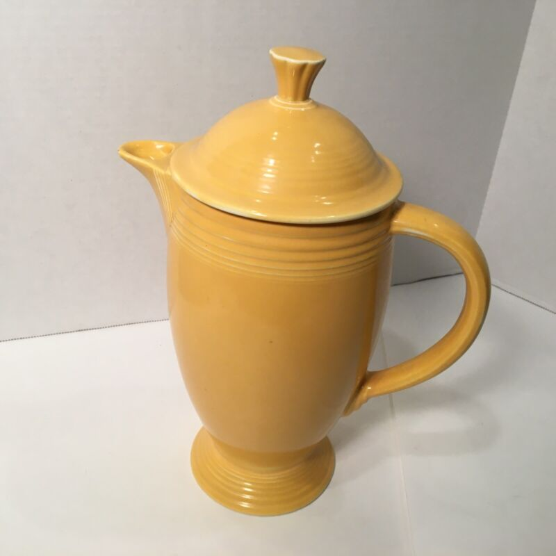 Vintage Fiesta Original Yellow Coffee Server Pot Fiestaware w/ lid HTF rare