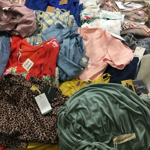 22 Piece Wholesale Resale Boutique Clothing Lot Various Sizes S/M/L/XL Bulk