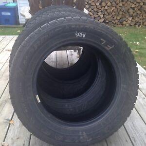 4 pneus d'hiver 215 60 r16 goodyear