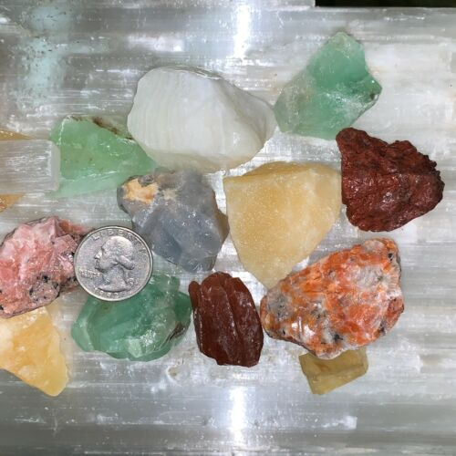 MIXED CALCITE, CHARGED 500 CARATS LOT + A FREE SELENITE CHARGING STICK