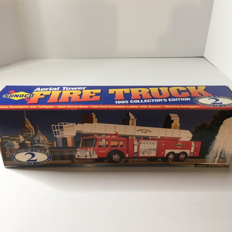 Sunoco Aerial Tower Fire Truck 1995 Collectors Edition #2 In Series 1/32