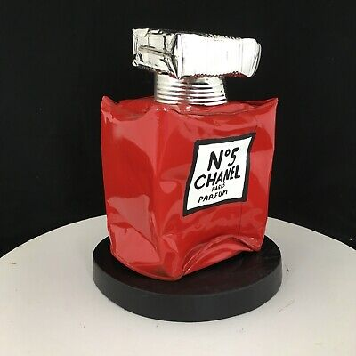 « Chanel N. 5 Red Mini », Sculpture metal by Artist Norman Gekko