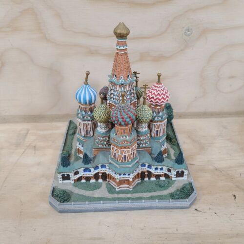 """Danbury Mint """"St Basil's Cathedral"""" Moscow Russia 1994 Sculpture"""