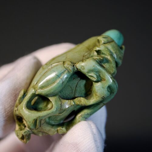 Chinese Antique Snuff Bottle Turquoise Carved Squirrel and Grapes, Qing Dynasty