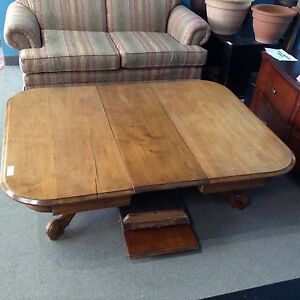 **NEW PRICE**Coffee table with 3 leafs #HFHGTA Newmarket ReStore