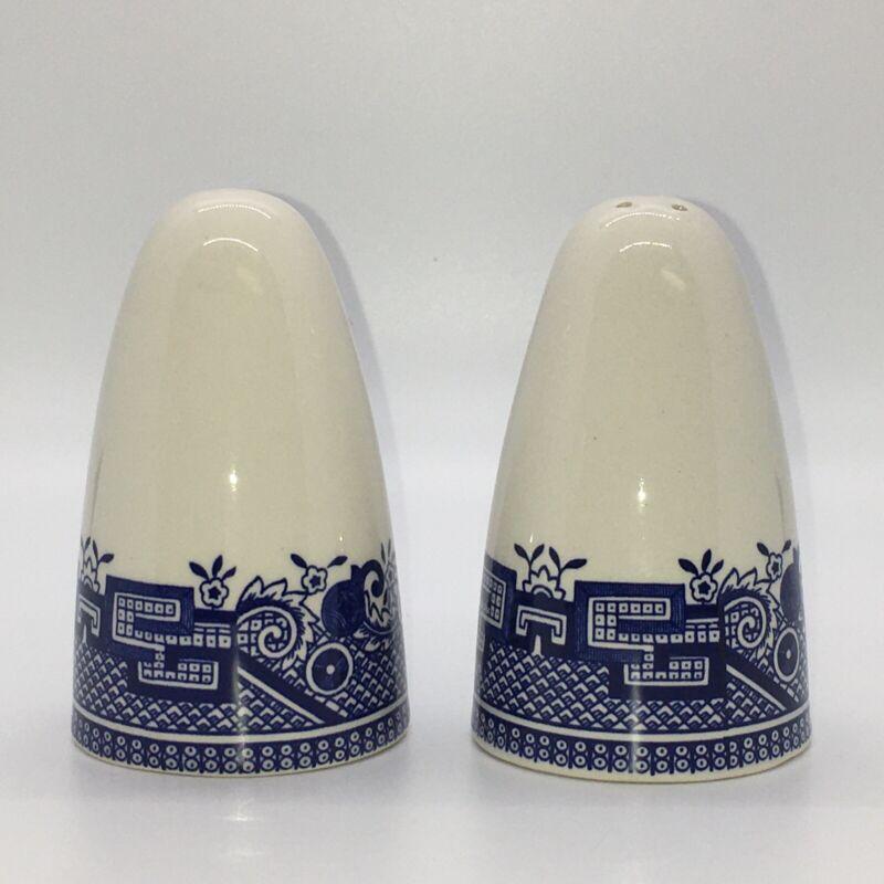 Blue Willow Salt & Pepper Shakers Georgian Pattern Unmarked