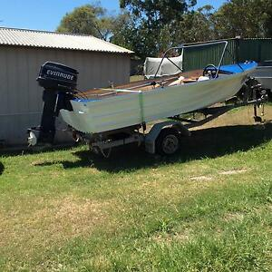 13ft forward steer Aluminium tinnie Awaba Lake Macquarie Area Preview