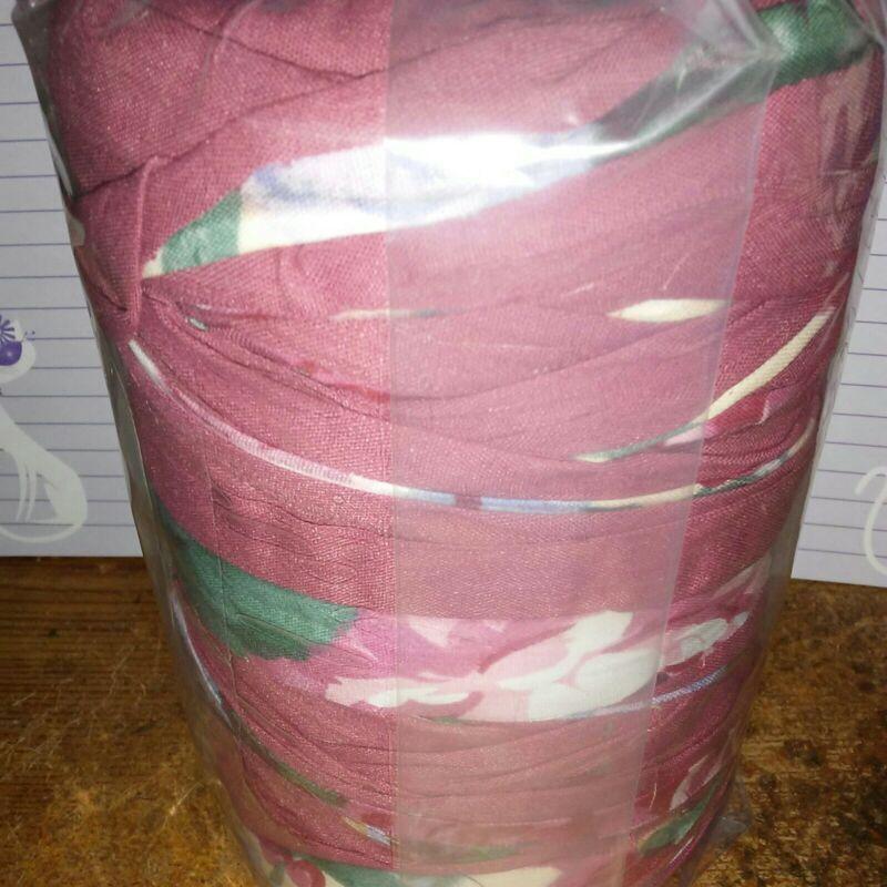 Rag Yarn Precut Fabric Strips Rug Weight 25oz Red Floral