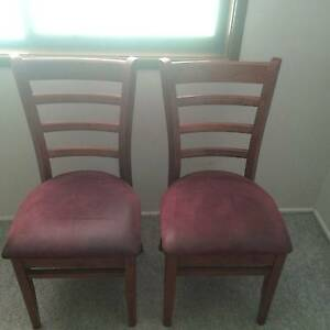 2 x chairs Ipswich Ipswich City Preview