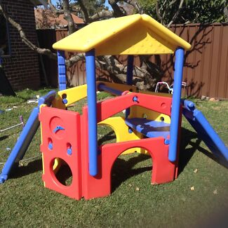 Toddler Outdoor Climbing frame with water sprinkler