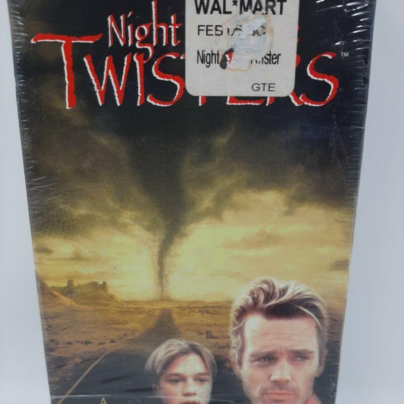Night of the Twisters (VHS, 1996) John Schneider, Devon Sawa