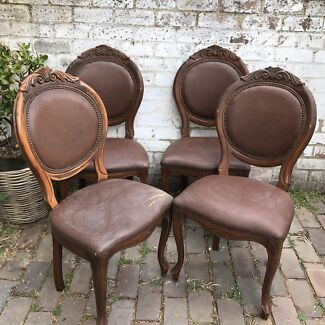 Set of 4 Italian leather chairs for restoration