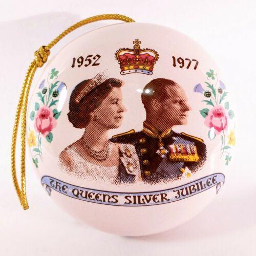 Queen Elizabeth Pomander, 1977, The Queen