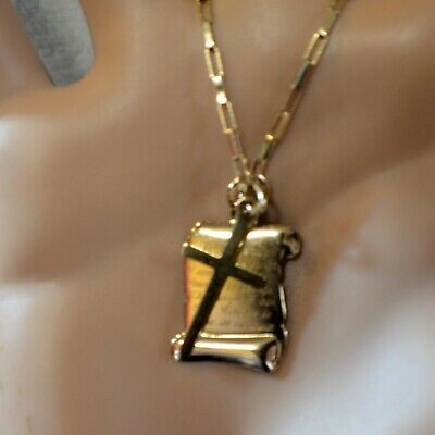 9 ct GOLD second hand scroll pendant & chain