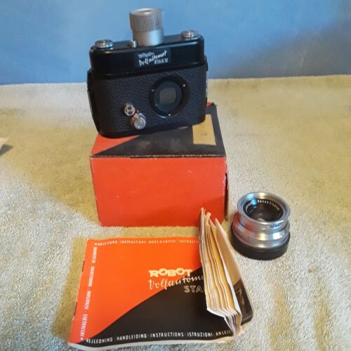 Vintage Robot Star II Vollautomat Camera and Xenon 1:1.9 40mm Lens Military Spy