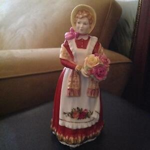 Royal Doulton Old Country Roses pretty ladies figuring #3692 Ardross Melville Area Preview
