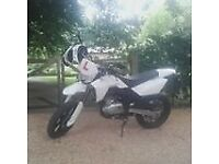 Supermoto motocross ZZ125 like husqvarna dt125 cbr125 lexmoto but better
