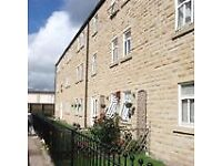 2 bedroom house in Glossop SK13 7AT, UK