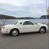 Thunderbird 2002 cabriolet ,modèle rare avec toit rigide et mou.