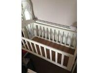 Mamas and papas white breeze swing crib