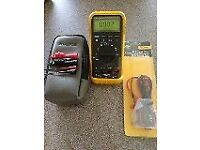 FLUKE 87 True RMS Multimeter. FLUKE Leads And Case. Perfect Working Condition.