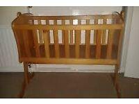 Swinging Crib £30 ono