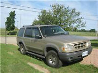 2000 Ford Explorer XL 4X4 SUV, Crossover
