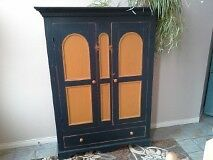 Nice antique painted wardrobe 2dr 1 drawer